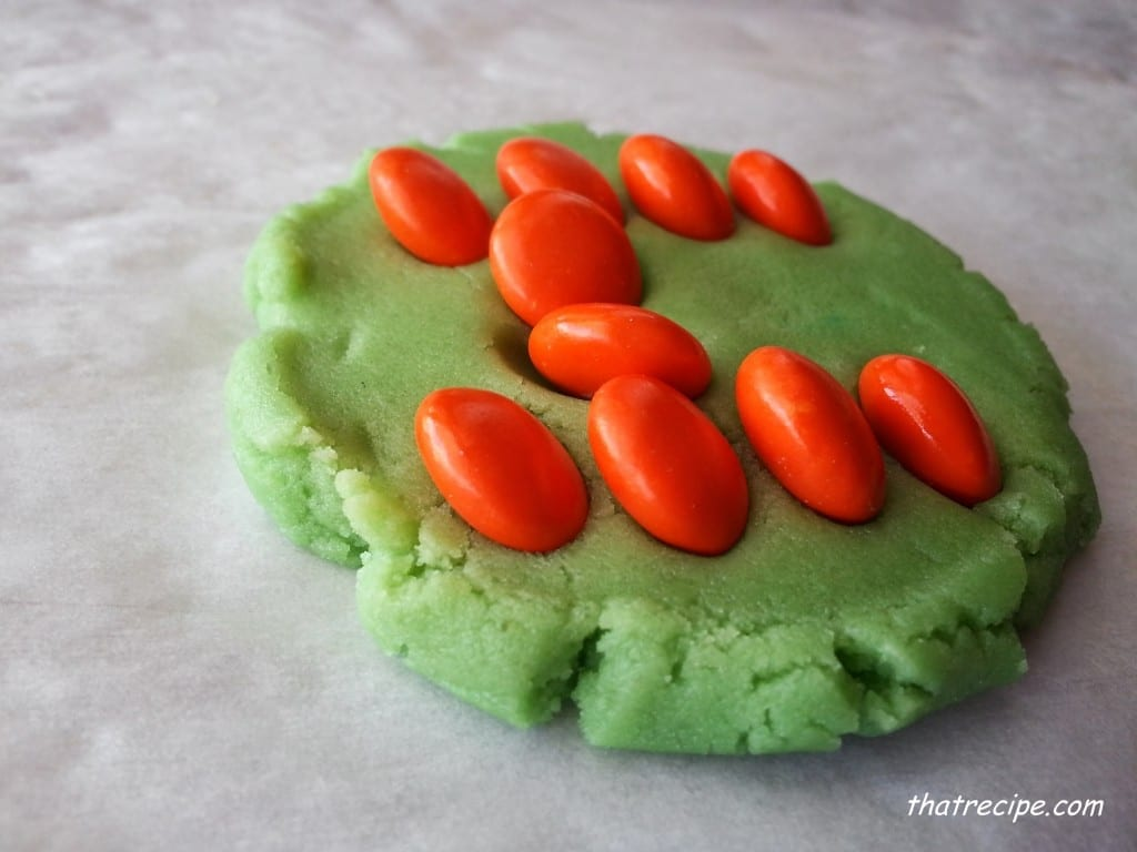 unbaked M&M cookies 2